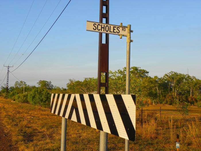 Scholes Road sign